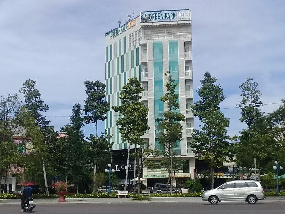 http://greenparkhotel.com.vn/FileUploads/PICTURE/green-park.jpg